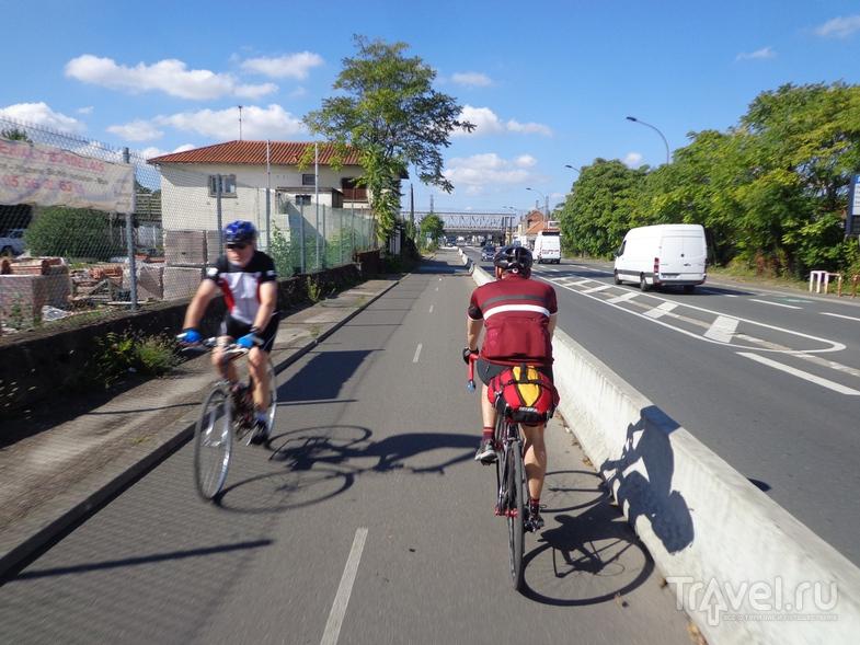Велодорога на въезде в Бордо. / Испания