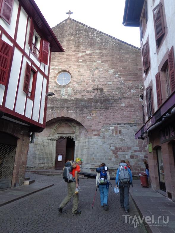 Пешие пилигримы в Saint-Jean-Pied-de-Port / Испания