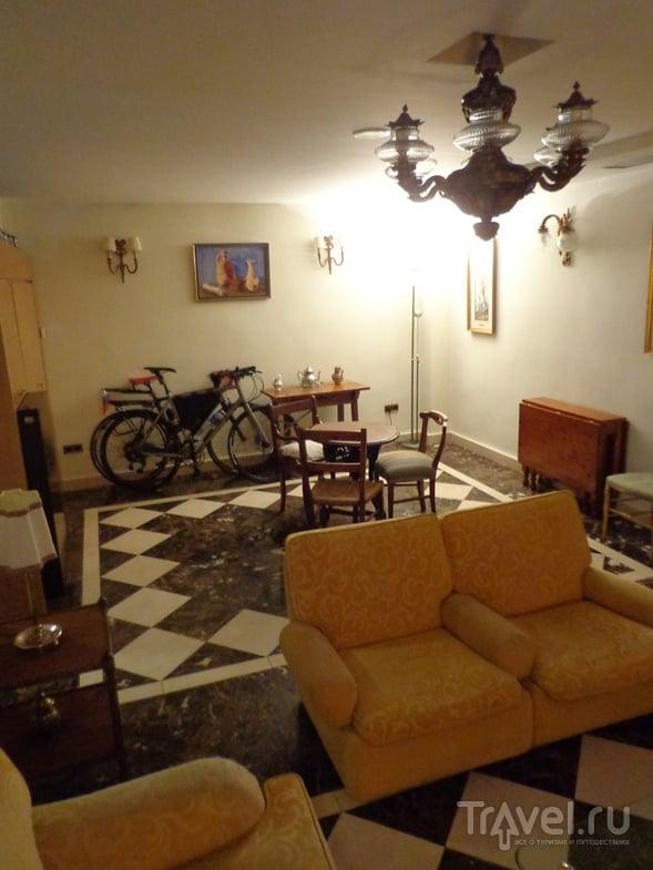 Гараж-гостиная в Памплоне. / Испания