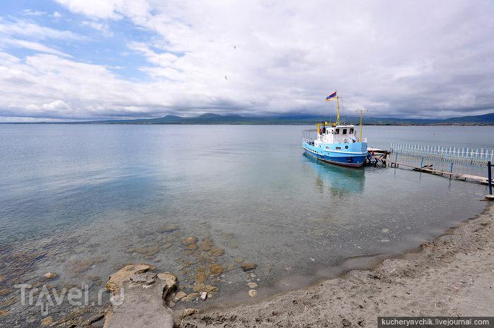 Крупнейшее озеро Армении / Армения