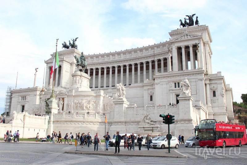 """Венецианский дворец. Римляне называют его """"Вставной челюстью"""" / Ватикан"""