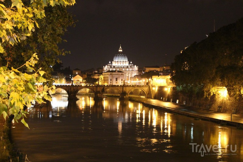 Вечерний вид на купол св. Петра со стороны Тибра / Ватикан