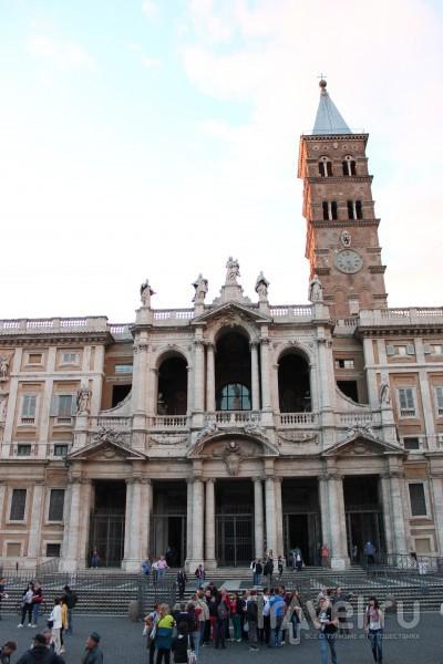"""Фасад Собора Пресвятой Девы Марии """"Великой"""" / Ватикан"""