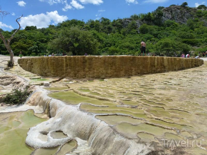 Застывшие водопады и одинокие ослики / Мексика
