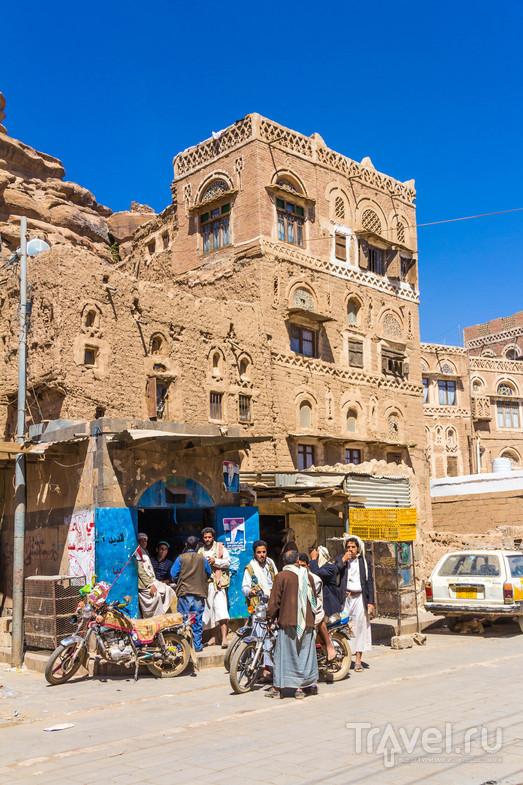 В долине Вади Дахр, Йемен / Фото из Йемена