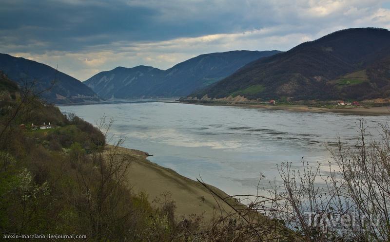 С голубого ручейка начинается река. А Дунай... / Германия