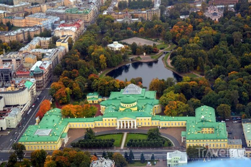 Таврический дворец в Санкт-Петербурге, Россия / Фото из России