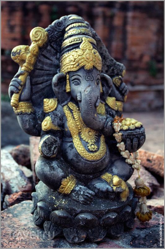 Даже сейчас влияние индуизма велико. Всюду встречаются следы религиозного синкретизма, как, например, эта статуя Ганеши / Фото из Таиланда