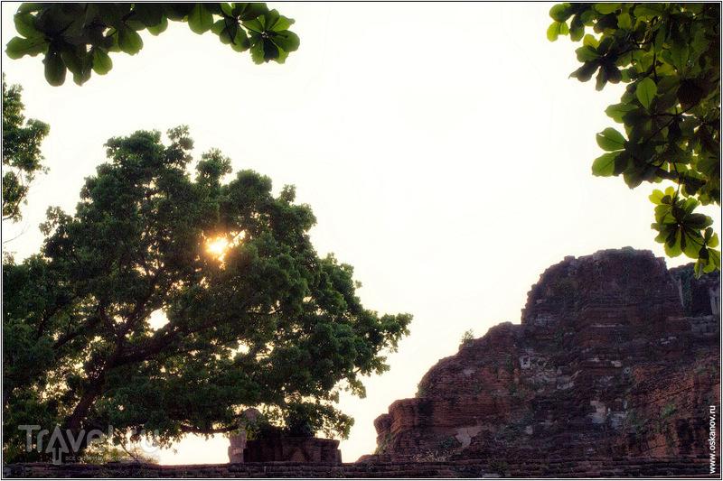 Искалеченное сердце Сиама - разрушенный главный храм / Фото из Таиланда