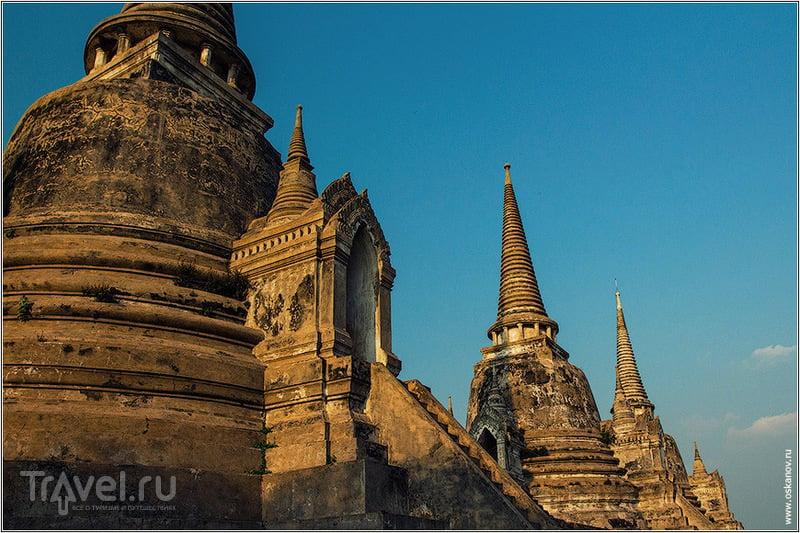 Три сестры - три чеди. Под ними - прах трёх королей / Фото из Таиланда