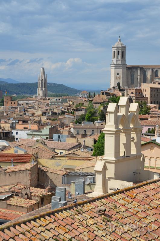 Жерона - город лестниц и цветов / Фото из Испании