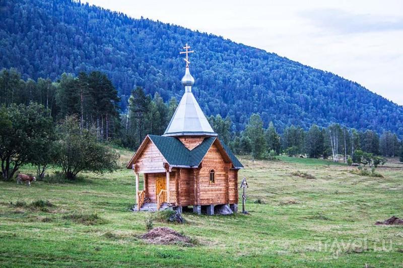 Телецкое озеро, поселок Яйлю / Россия