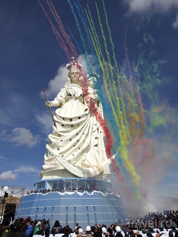 Высота скульптуры Девы Марии в Оруро достигает 45 метров, Боливия / Боливия