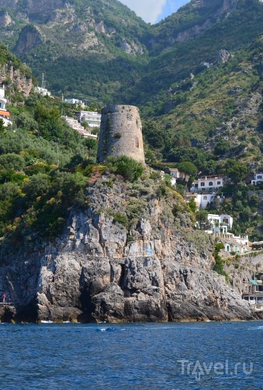 Сторожевые башни на Амальфитанском побережье / Фото из Италии