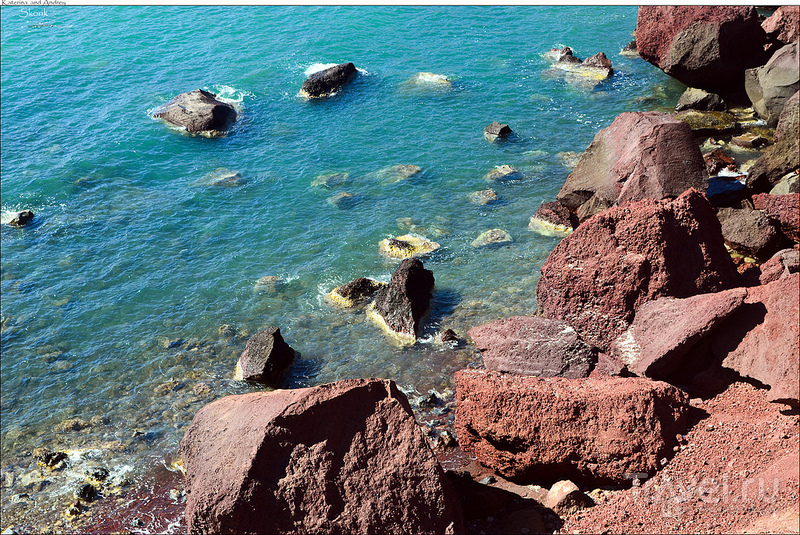Red beach и самая южная точка острова / Фото из Греции