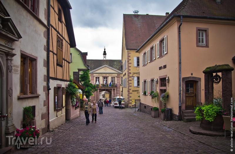 Винный путь Эльзаса, машина времени в Риквире и офф-роуд на Ford Fiesta / Фото из Франции