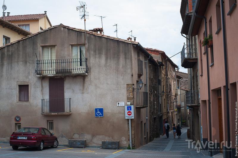 Кастельфульит-де-ла-Рока - город над пропастью / Фото из Испании