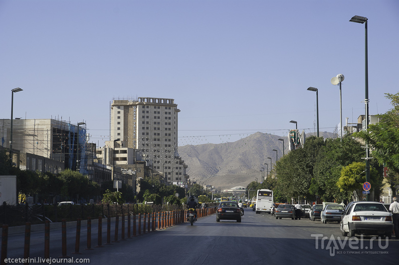 Улица Имама Резы в Мешхеде, Иран / Фото из Ирана