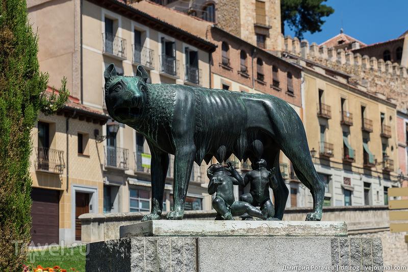 Артиллерийская площадь в Сеговии, Испания / Фото из Испании