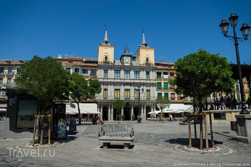 Площадь Майор в Сеговии, Испания / Фото из Испании