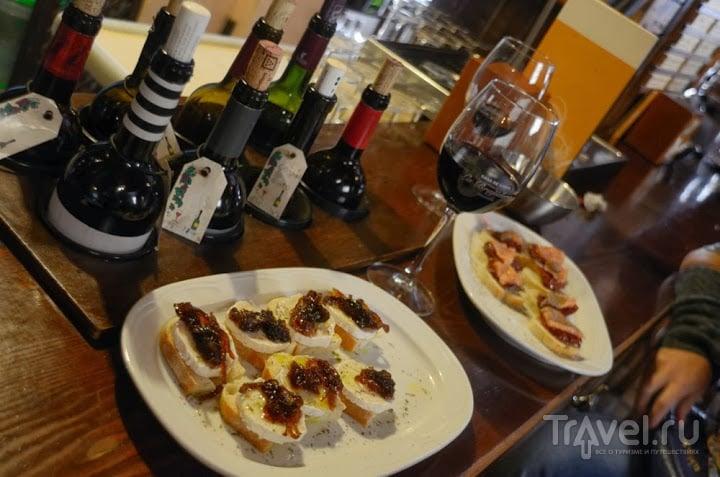 Тапас-бары Андалусии. Гранада / Испания