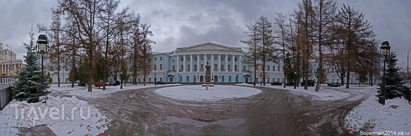 Екатерининский парк и усадьба Салтыкова / Россия