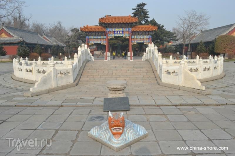 Харбин. Храм Конфуция и буддийский храм Цзилэсы / Китай