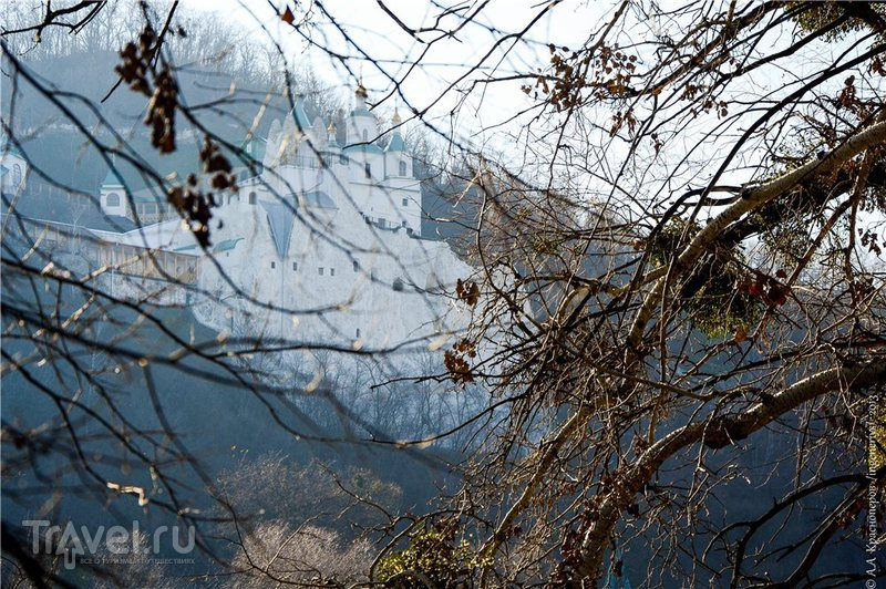 Святогорская Успенская лавра (Свято-Успенская Святогорская Лавра) в Святогорске, Украина / Фото с Украины