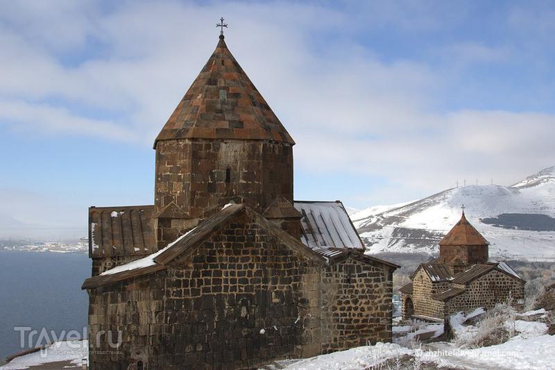 Церкви Сурб Аракелоц и Сурб Аствацацин, Армения / Фото из Армении