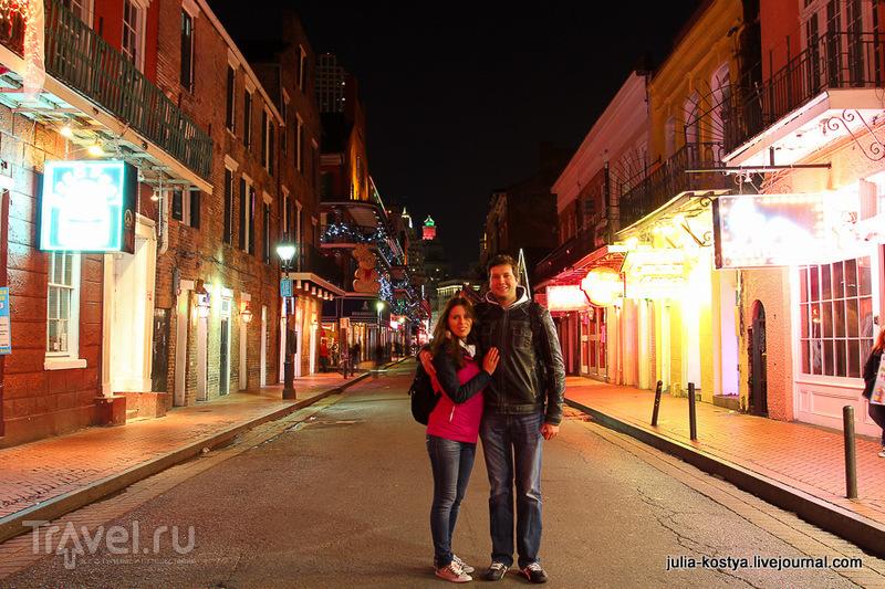 Бурбон стрит в Новом Орлеане, США / Фото из США