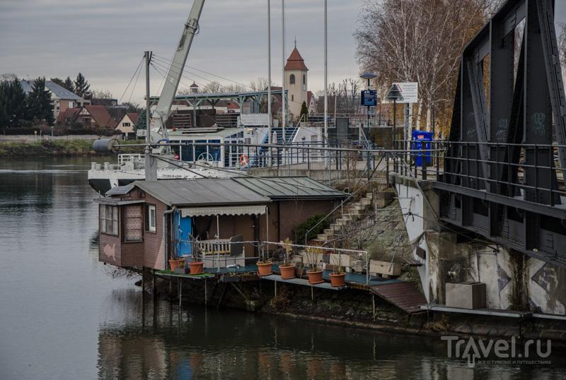 Частный домик на берегу Рейна / Фото из Швейцарии