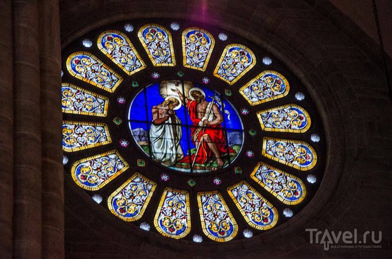 Витраж в соборе / Фото из Швейцарии