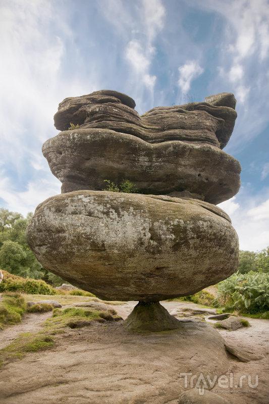 Идол-Рок весит почти 200 тонн, и всю эту махину удерживает крохотный камень / Великобритания