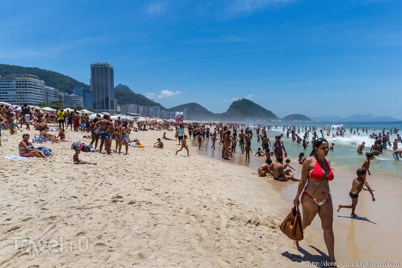 На пляже Копакабана в Рио-де-Жанейро, Бразилия / Фото из Бразилии