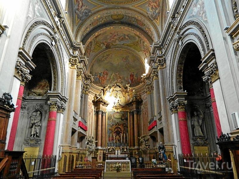 В церкви Chiesa dei Filippini в Болонье, Италия / Фото из Италии