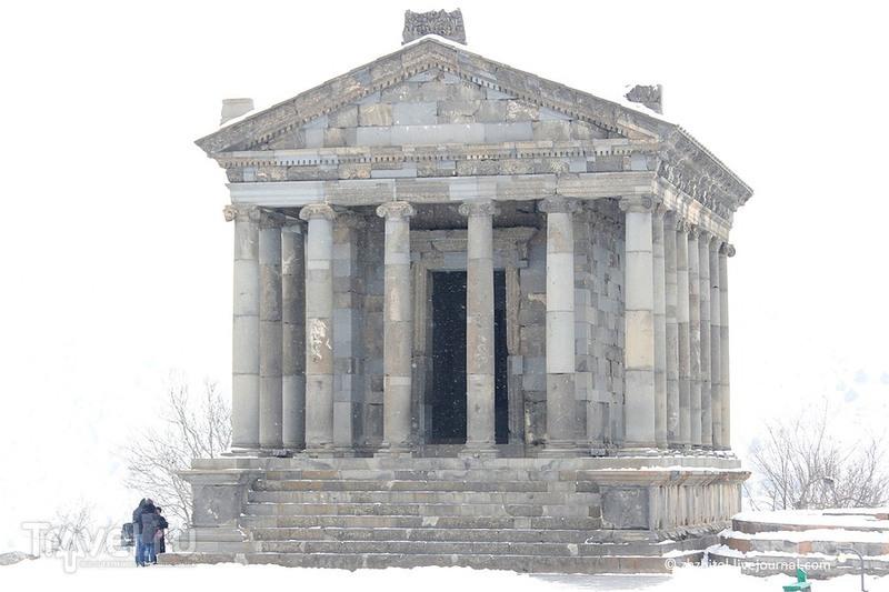 Храм бога Солнца Митры в Гарни, Армения / Фото из Армении