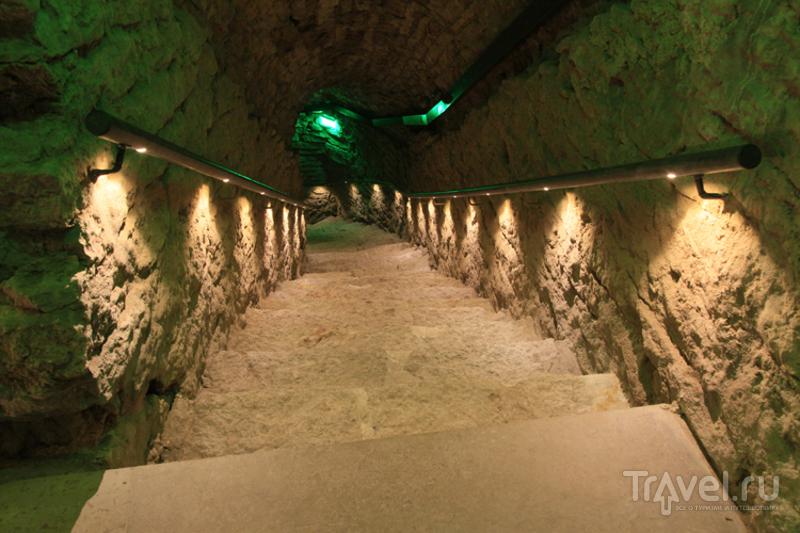 Спуск в подземный лабиринт
