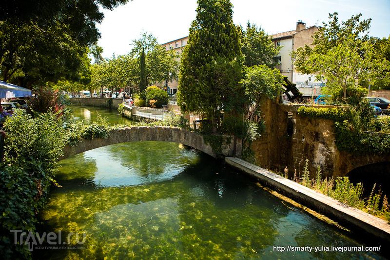В городе Л'Иль-сюр-ла-Сорг, Франция / Фото из Франции