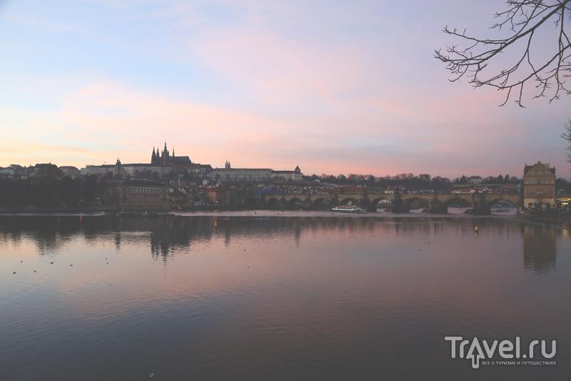 Пражский Град, вид с берега Влтавы / Чехия