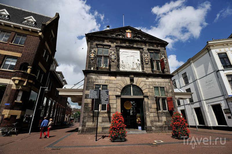 Весовая палата (Waag) в Гауде, Нидерланды / Фото из Нидерландов