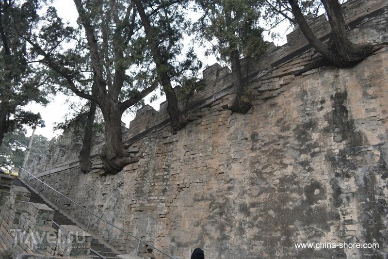 Гробницы династии Мин. Священный путь императоров и гробница Динлин / Китай