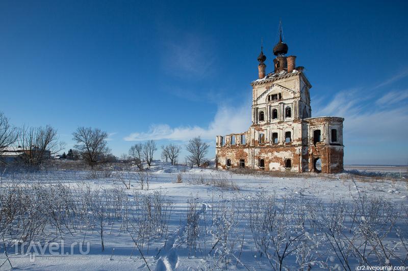 Михаило-Архангельская церковь в селе Весь, Россия / Фото из России