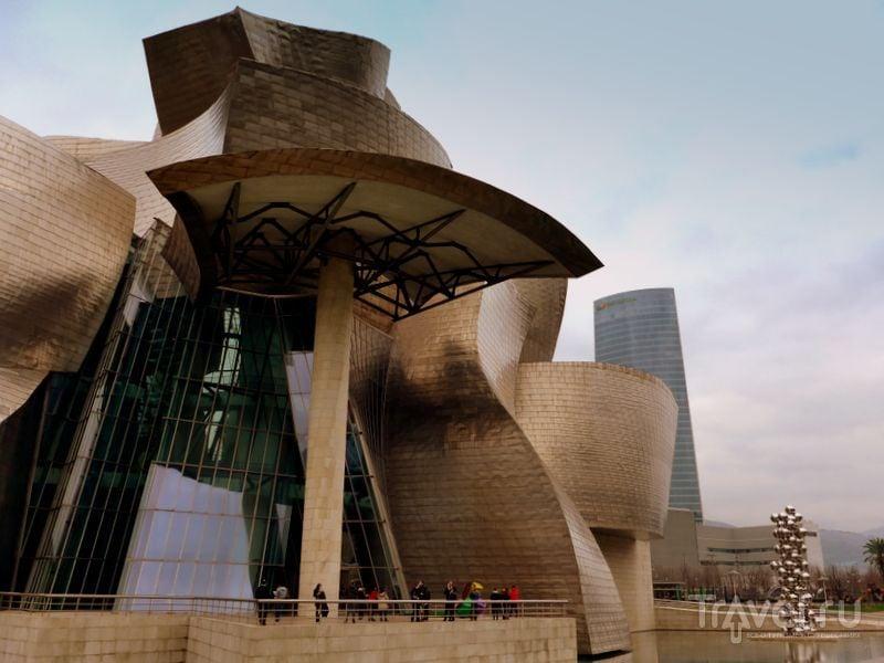 Музей Гуггенхайма в Бильбао, Испания / Фото из Испании