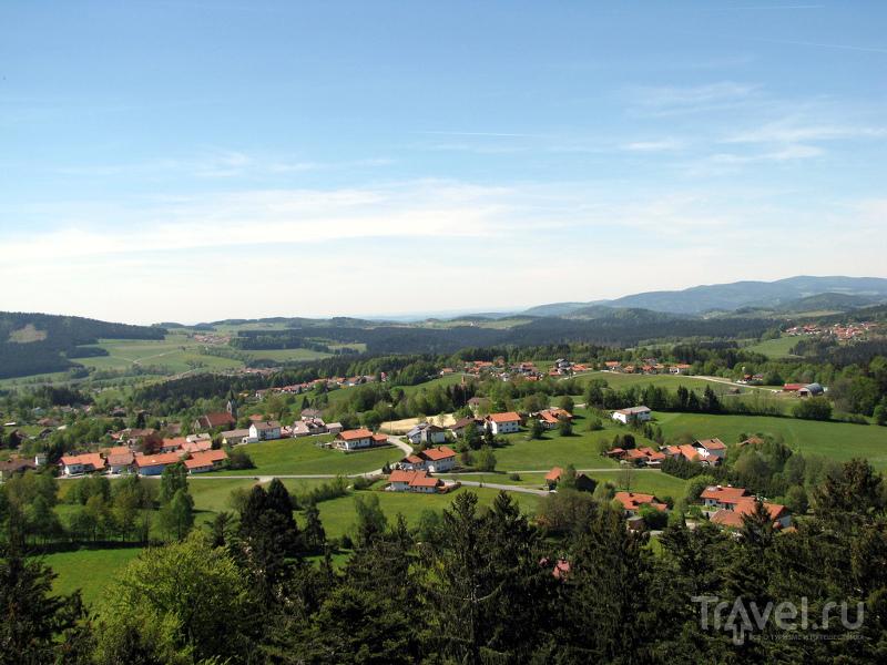 С тропы открывается великолепный вид на Баварский Лес и окрестности / Германия