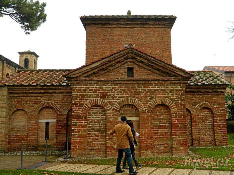 Мавзолей Галлы Плацидии в Равенне, Италия / Фото из Италии