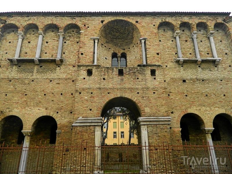 Дворец Теодориха в Равенне, Италия / Фото из Италии