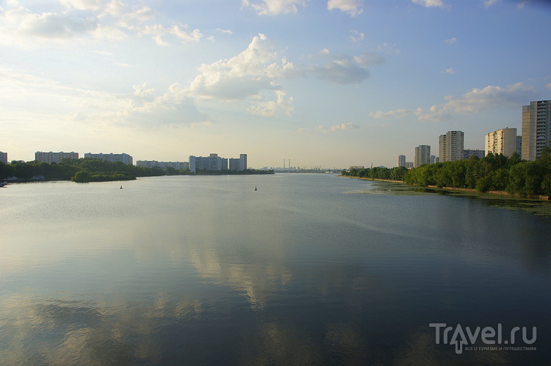 Усадьба около пруда. Москва. Почти центр! / Россия