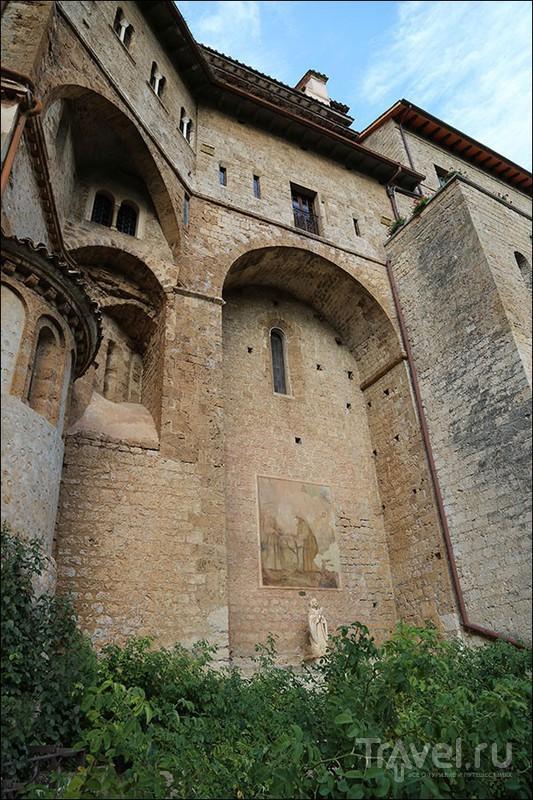 Пещерный монастырь в Субьяко. Италия / Фото из Италии