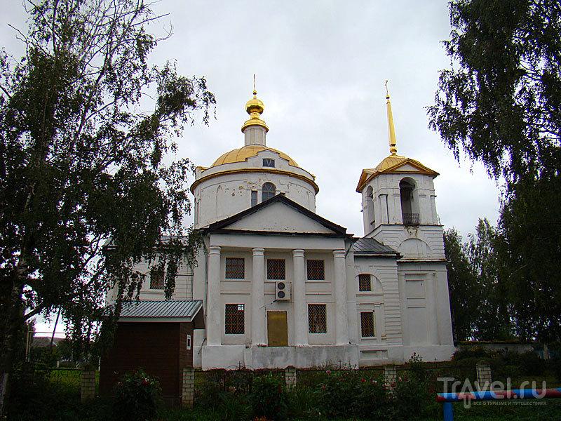 Никольская церковь в Елизарьево, Россия / Фото из России