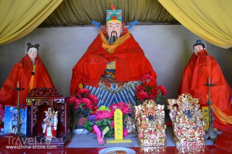 Храмы деревни Губэйкоу / Китай